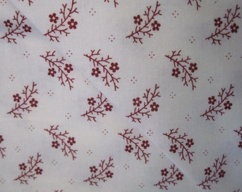 Moda  1101-21. Cream with red flowers and stems