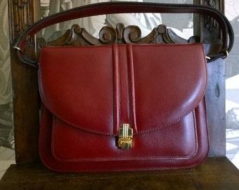 Chic Purse Bag Italian Vintage c.60s Burgundy Leather Handbag/Beautiful Burgundy Handbag & Shoulder  Bag/Charming Burgundy Leather Handbag
