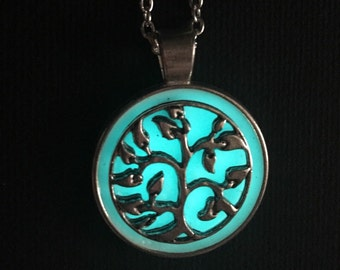 Glow in the dark necklaces silver pendant