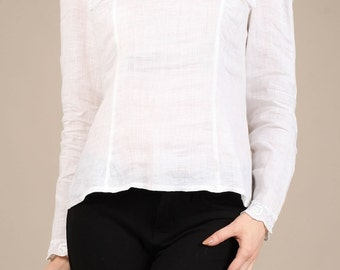 Adorable peasant-collar blouse
