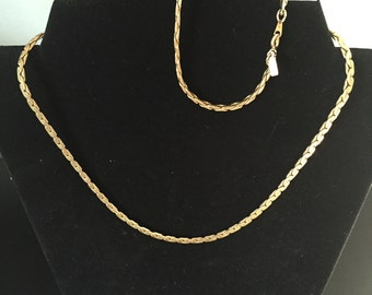 """Vintage Signed Gold Plated 17""""inch Necklace and matching 7 1/2"""" inch Bracelet"""