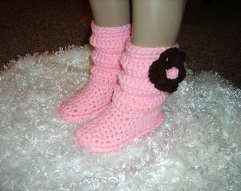 Crochet Boots/ slippers  in pink for little girls, hand made