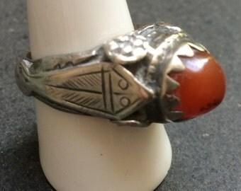 Old Yemeni silver ring - carnelian stone - large size