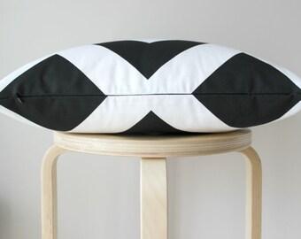 "Black and White Chevron Cushion Cover | Pillow Cover | Invisible Zipper 18x18"""