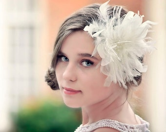 Bridal fascinator, Wedding Headpiece, Bridal Hairclip, Feather Hair Clip, Bridal Headpiece, Vintage Fascinator, Bridal Feather Fascinator