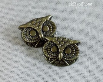 Owl Buttons set of 2 7/8 inch Antiqued Gold Metal Buttons