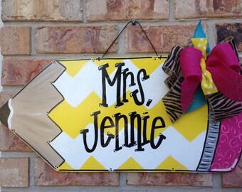 Pencils please, pencil door hanger, teacher door hanger, teacher appreciation, apple door hanger, school door hanger, classroom decoration