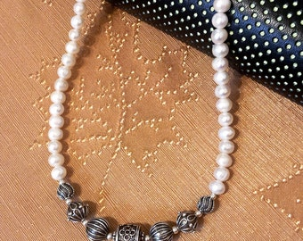 Necklace with Bali beads and freshwater pearls