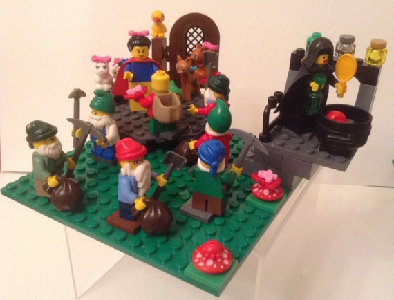 Lego Snow White And The Seven Dwarfs in Lego Snow White And The