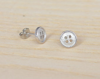 Sterling Silver Little Button Earrings, Round Dot Earrings (gift packed) M17