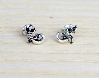 Sterling Silver Antique Finish Tiny Lizard Gecko Stud Earrings (gift packed) M21