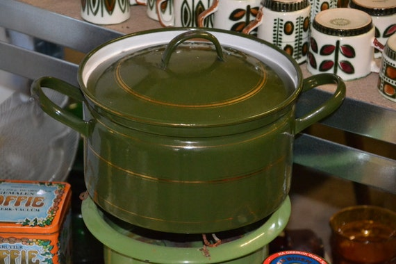 Dark green enamel pan, 28 cm, golden lines