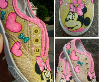 Minnie Mouse. Mickey Mouse. Disney. Painted shoes. custom
