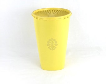 Vintage Tupperware Canister In Lemon Yellow-Daffodil-Stacking Kitchen Decorator Canister-1970s Tupperware-Vintage Canister-Container