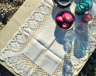 Classic White Linen Table Runner with Lace