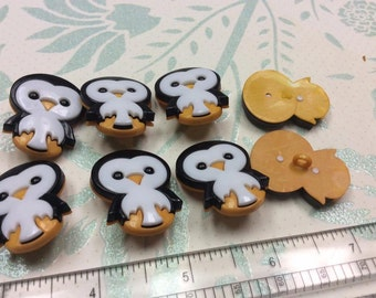 SET of 8 Shank Chunky Penguin Sewing Buttons
