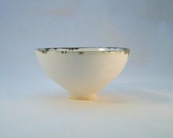 Wee white decorative bowl