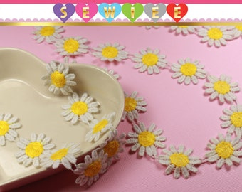 White Yellow Daisy Chain Guipure Trims |Guipure Lace Trim | Crochet Daisy | Daisy Trimmings |Venice Lace |Floral Applique | Daisy V1001