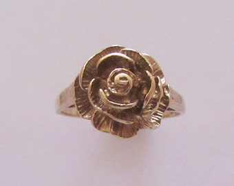 9ct Gold Rose Flower Ring Size O or 7