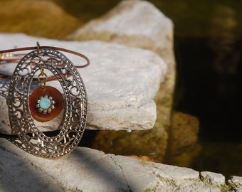 Nature-necklace with Swarovski in ethnic style, yet elegant to wear