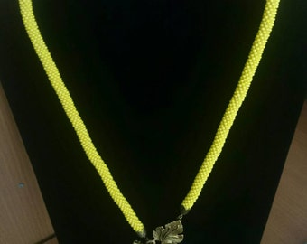 Yellow bead croched rope necklace