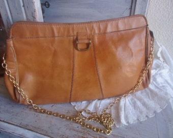 very cool Shoulderbag  ,leather shoulderbag vintage , 1970's