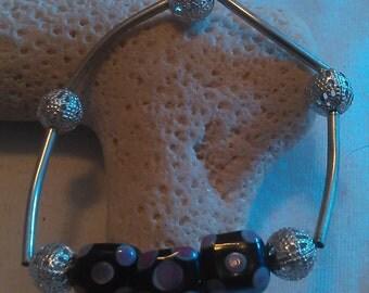 Black Pink Spotted 3 Bead Glass Bracelet
