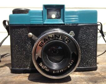 Banner Plastic Camera, Diana Clone