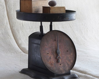 metal scale from Italy, black patina, vintage find for your kitchen