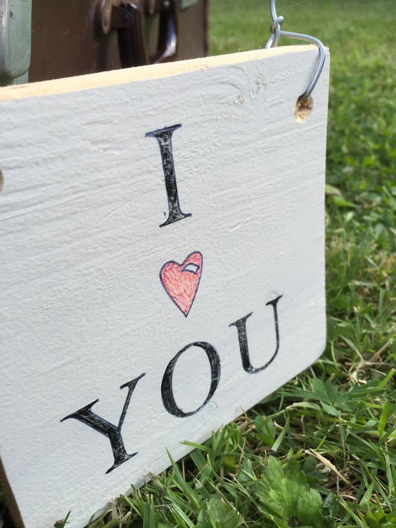 Cream Rustic I LOVE YOU Sign  / Decorative Heart Sign / Rustic Style Hanging Sign / I Heart You Sign / Small Love Hanging Sign / Door Sign