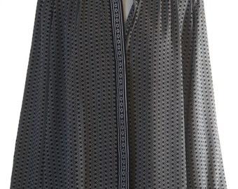 Long fitting smart monochrome patterned shirt