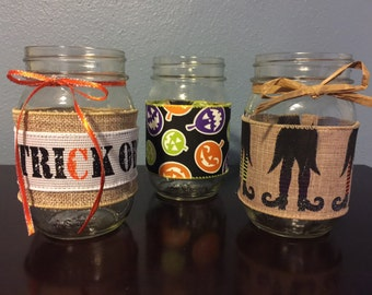 Halloween decorated Mason jar. Great for centerpieces and party décor