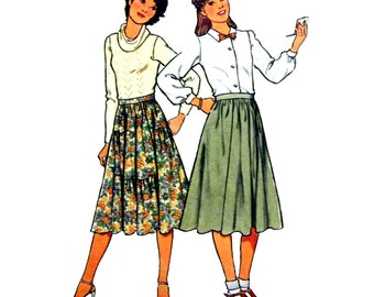 1978 Style 2455 Young Junior or Teen's Flared Skirt with Six Stepped Gore and Frills or Six Gores Sewing Pattern Size 11/12