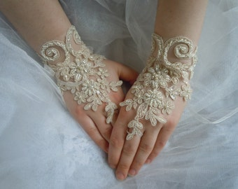 Beige Lace Glove, Champagne Lace Wedding Gloves,  french lace gloves, bridal gloves, beige wedding gloves, bridal accessories, weddings