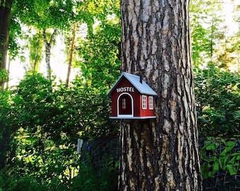 "Bird feeders ""Hostel"""