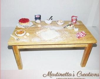 "Miniature table ""Prepare a dessert"""