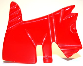 "Brooch ""red dog"", bakelite 1930 - France"