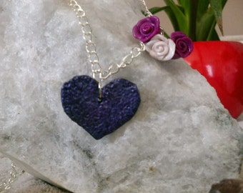 Necklace with two trailers