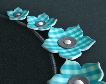 Polymer clay tutorial - Table cloth flowers