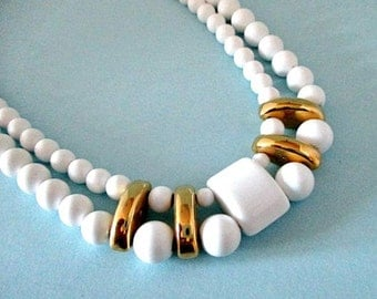 Vintage Choker Necklace  /  White Bead Necklace - 5.00 Vintage Jewelry Supply