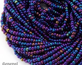 11/0 Metallic Blue Iris Czech Seed Bead (Hank) #CSG174