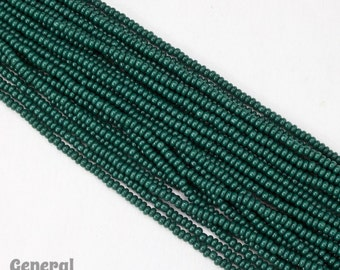 10/0 Opaque Forest Green Czech Seed Bead (Hank) #CSF064