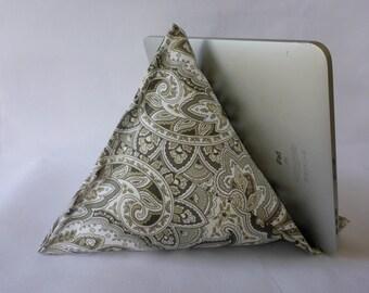 iPad / Kindle Lap Pillow Stand Bean Bag Stand : Gray Paisley