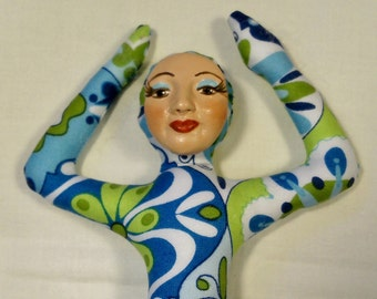 11 in. tall Shapely Goddess Cloth art doll form w/face cab  You finish her Bead Decorate
