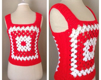 Vintage 70s red and white granny square knit vest / bohemian / hippie