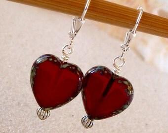 Valentines Gift - Short Earrings - Valentines Earrings- Red Earrings - Heart Earrings - Beaded Earrings - Gift for Her - Women's Earrings