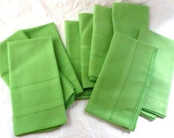 Chartreuse Green Napkin Set of 10 - Table Linens - Supper Napkins - Vintage 60s