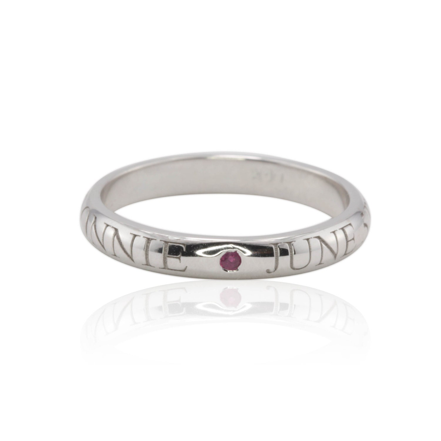 mother 39 s ring with engraved names white gold engraved. Black Bedroom Furniture Sets. Home Design Ideas