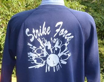 vintage 80s sweatshirt BOWLING team strike force linda funny raglan Large XL navy blue