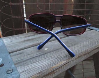 Amazing Stripe Sunglasses Vintage 70s Aviator frames Red White Blue eyeglasses Made in France